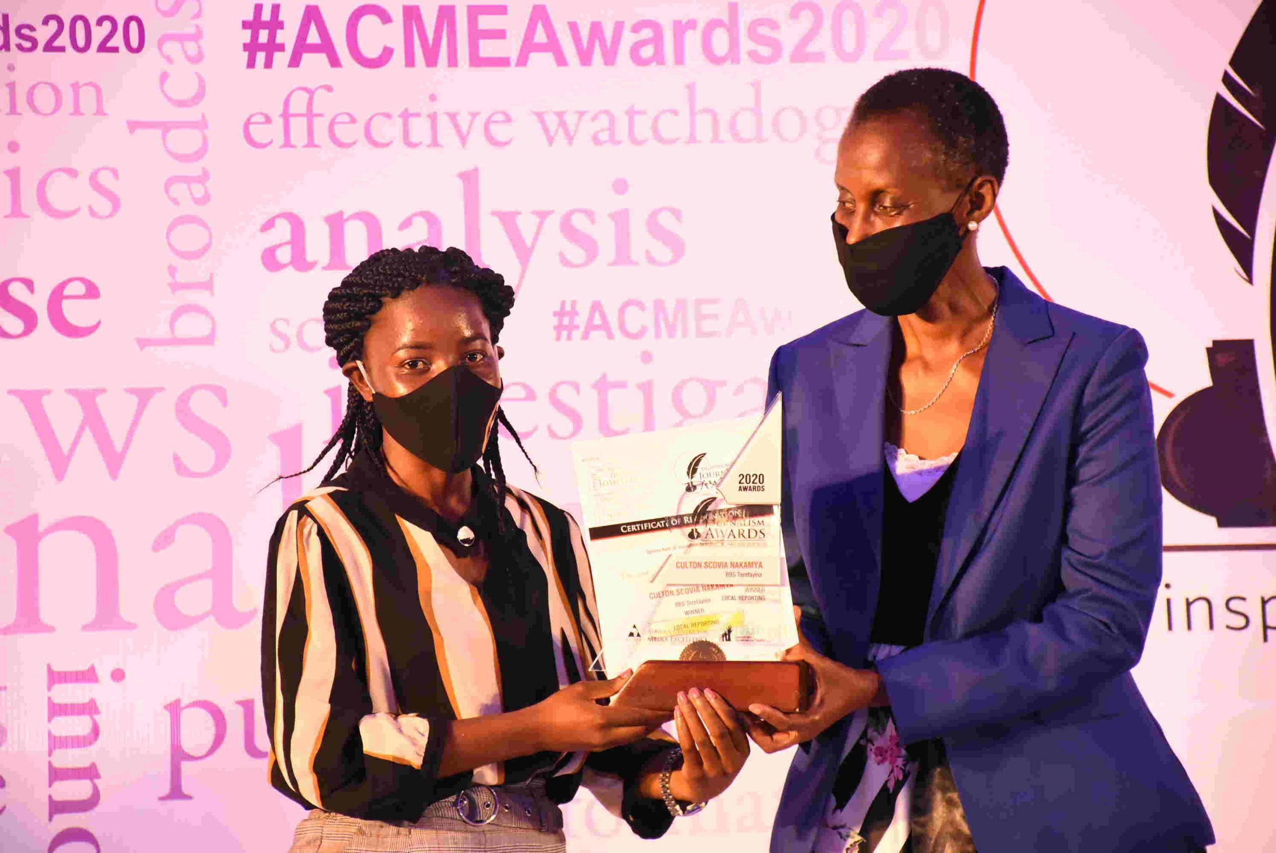 Culton Scovia Nakamya of BBS Terefayina television emerged as the country's Best local reporter at the Uganda Journalism Awards 2020