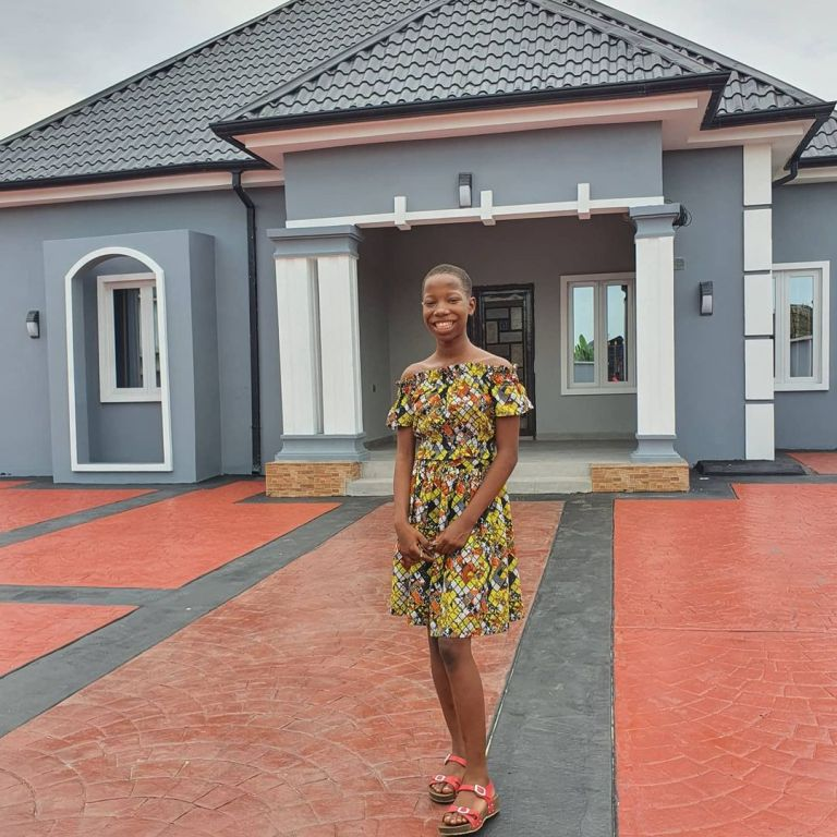 cyclone times PHOTOS 10-Year-old Emmanuella builds a house for her mother