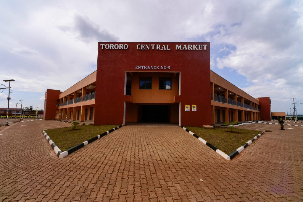 6 Reasons why Museveni Commissioned Tororo, Busia & Soroti Markets