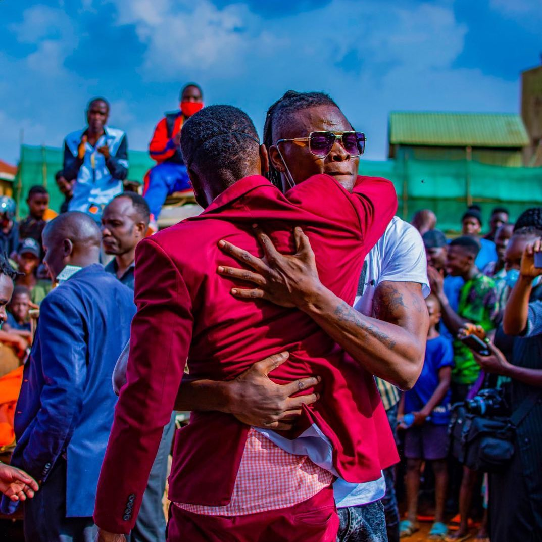 Pallaso pens a sweet message to Chameleone after he lost to Lukwago