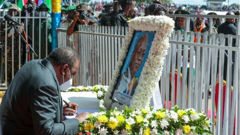 President Uhuru stops his Speech during Magufuli's funeral, Here is Why