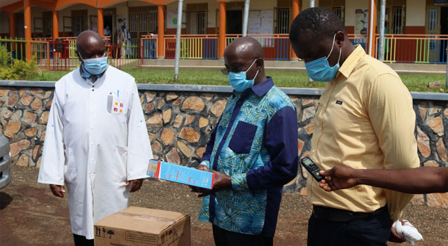 Joint Medical Stores donates Oxygen regulators and Masks to Ministry of Health
