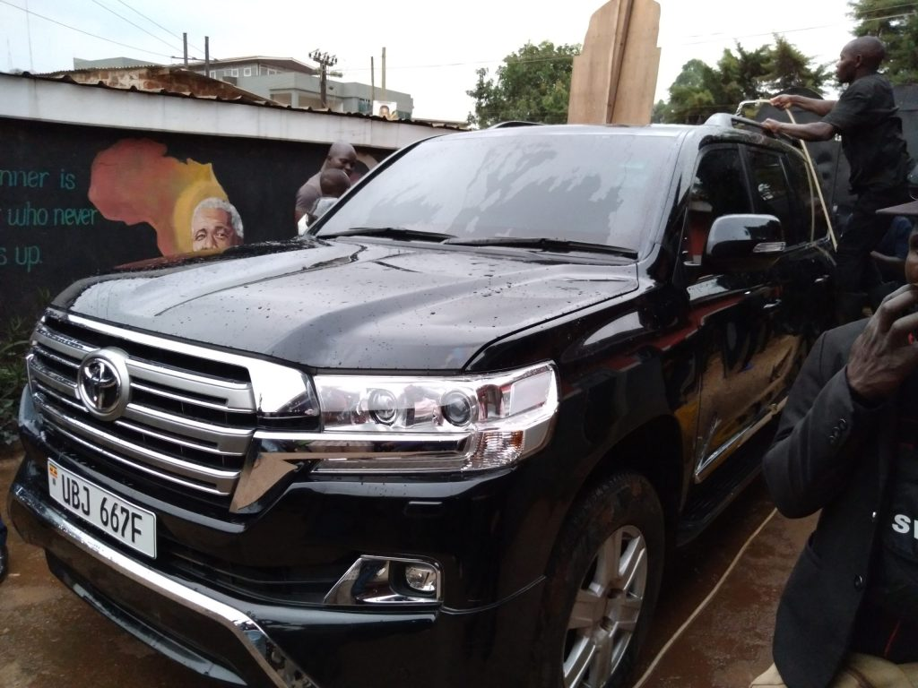 Shocking Details as Bobi Wine receives his car from URA on Museveni's Directive
